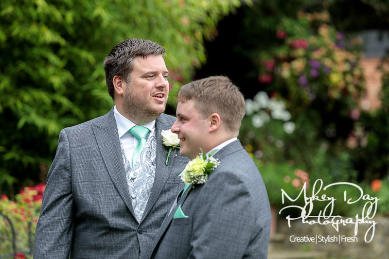 Cooling-Castle-Weddings-Kent-Wedding-Photographer-www.MykeyDay-Photography.com-31 Cooling Castle Barn - Kent Wedding Venue