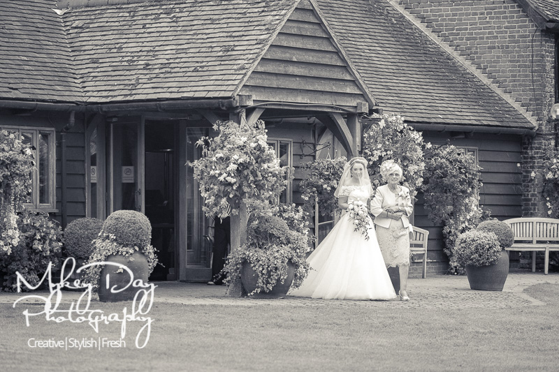 Cooling-Castle-Weddings-Kent-Wedding-Photographer-www.MykeyDay-Photography.com-32 Cooling Castle Barn - Kent Wedding Venue