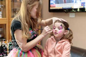 Wedding-Entertrainment-ideas-in-Kent-and-Essex-Wedding-Magician-Face-Painting-Article-15-300x200 Wedding Entertainment Ideas