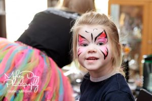 Wedding-Entertrainment-ideas-in-Kent-and-Essex-Wedding-Magician-Face-Painting-Article-6-300x200 Wedding Entertainment Ideas