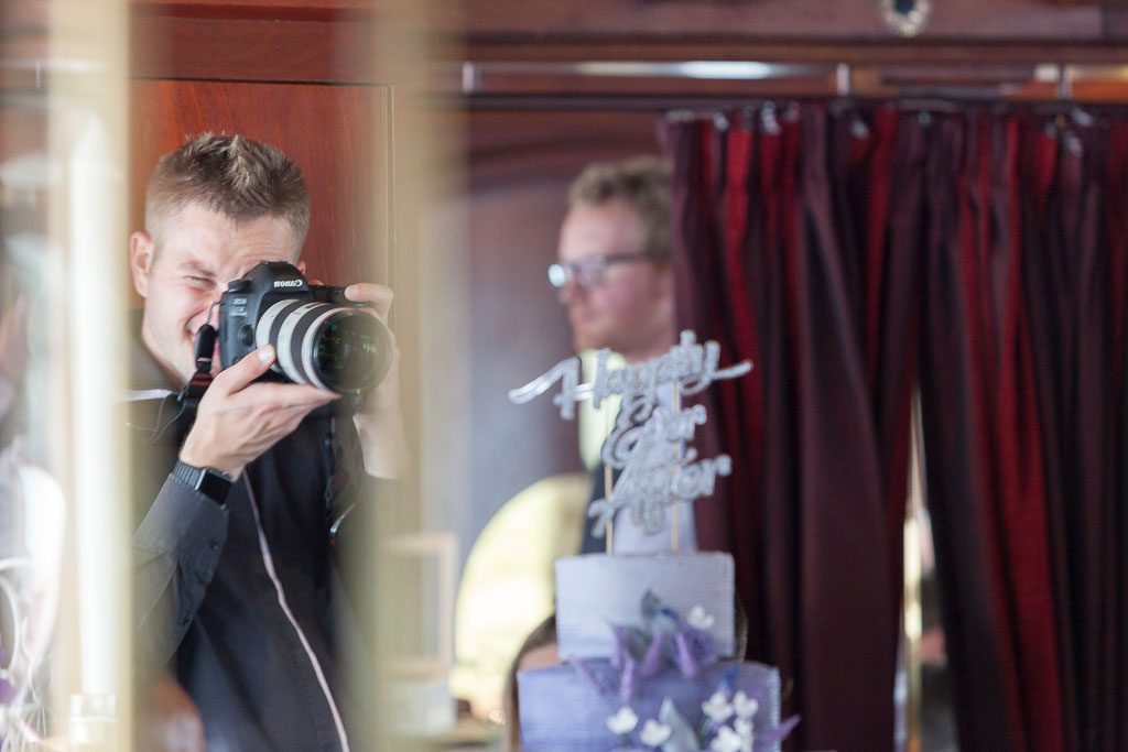 Four types of wedding photographer mykey day photography for Types of wedding photography