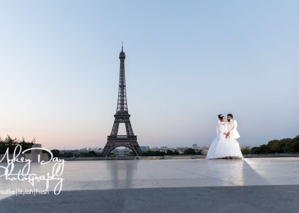 Paris Wedding Photography | Eiffel Tower Wedding Photo | Tour Eiffel Bride & Groom | Sunrise | Blue sky