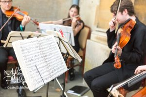 Wedding-Musicians-in-Kent-and-East-Sussex-Entertainment-Article-13-300x200 Wedding Entertainment Ideas