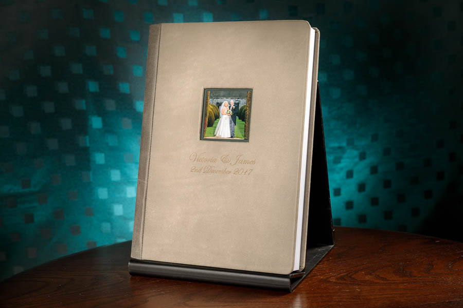 Black-Label-Wedding-Albums-Best-Wedding-Albums-Beautiful-www.MykeyDay-Photography.com-15 9 Things You 'Need' To Do To Avoid Hating Your Wedding Photos
